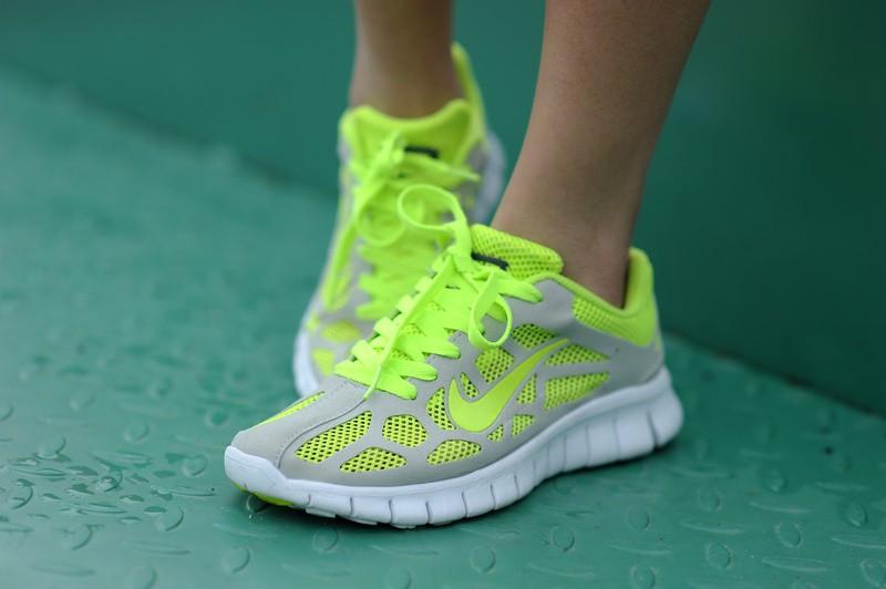 nouveau concept 8b4eb ecff3 basket nike running femme fluo